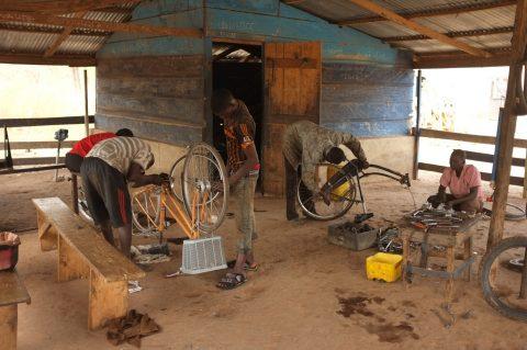 Straßenprojekt: Ausbildung zu Fahrradmechanikern
